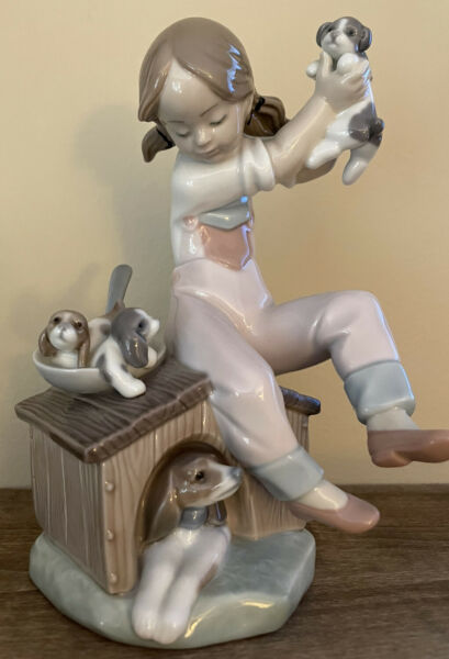 LLADRO PICK OF THE LITTER 7621 PORCELAIN FIGURINE GIRL WITH DOG amp; PUPPIES NWOT $124.99