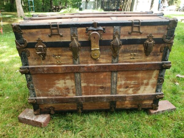 Vintage WOOD STEAMER TRUNK chest coffee table storage box luggage antique decor $85.00