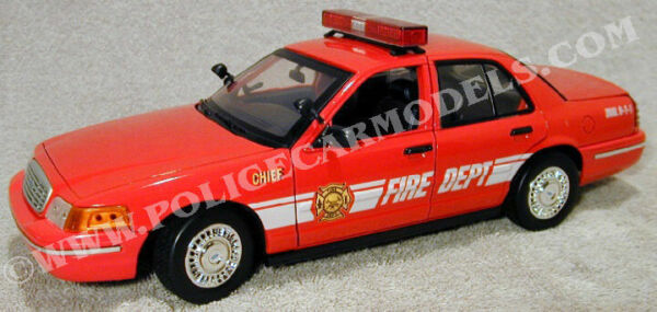 Motormax 1 18 Fire Department Fire Chief Ford Crown Vic 73530