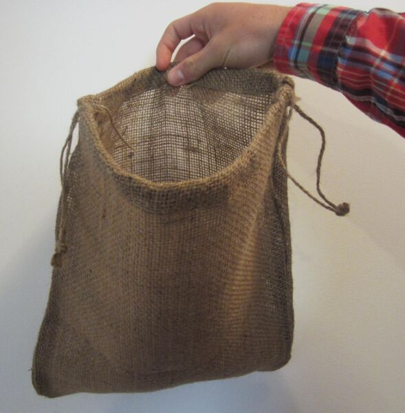 ONE BURLAP BAG 12quot; X 14quot; WITH DRAWSTRING SACK GUNNY FEED BAG TOW SACK GIFT