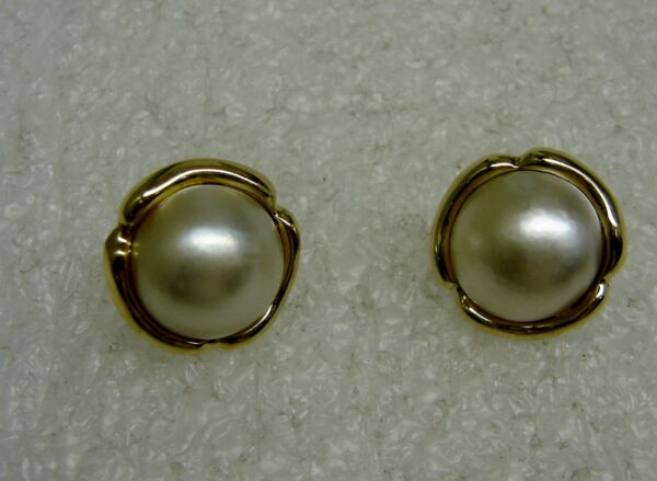 OVER THE TOP!! 14K YELLOW GOLD MABE PEARL PIERCED EARRINGS N453-I