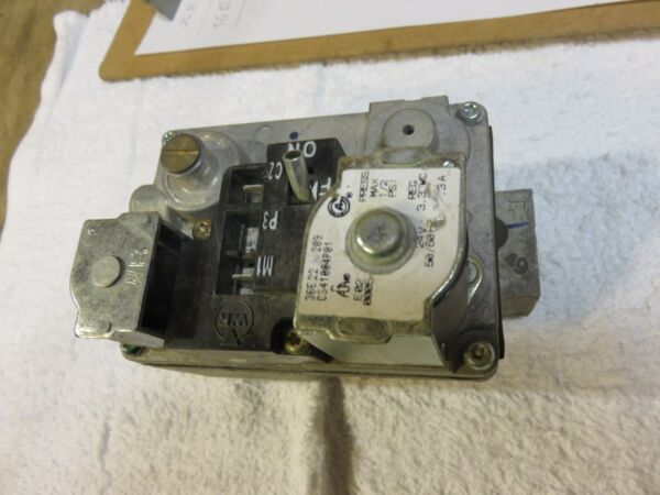 TRANE FURNACE GAS VALVE  WHITE RODGERS 36E22 209 PART NUMBER  C34100P01