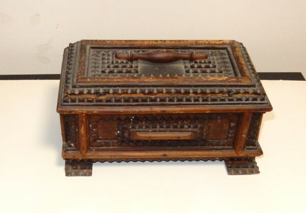 OLD 19TH CENTURY WOODEN TRAMP FOLK BOX