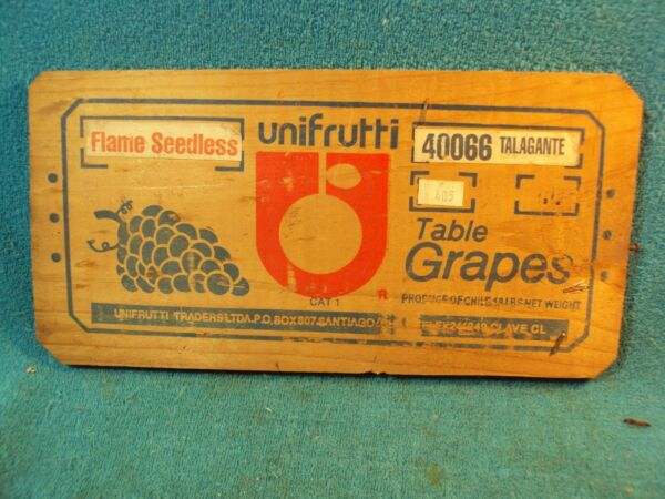 Vtg UNIFRUTTI Wood Wooden Fruit Produce Advertisement GRAPES Crate Box End Part