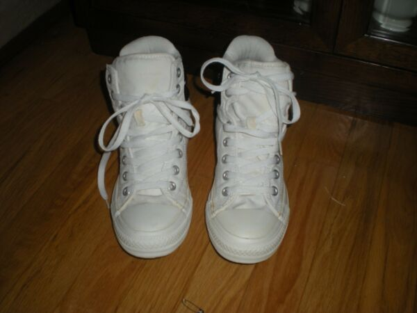 CONVERSE WHITE HIGH TOP PADDED SNEAKERS WITH BLACK UPPER BACK - SIZE Wo's 7