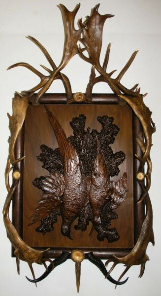 ANTIQUE BLACK FOREST BRIENZ CARVED TROPHY PLAQUE W.ANTLERS: 57 TALL