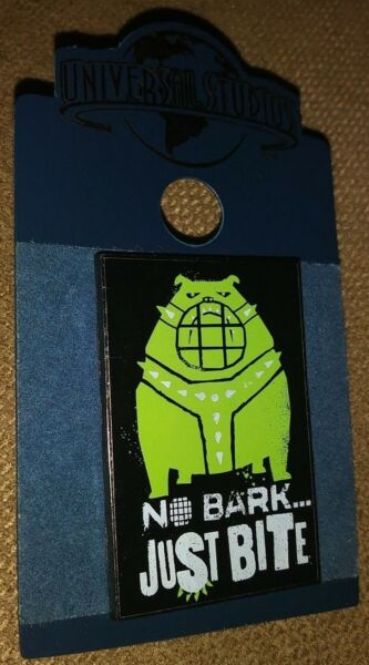 UNIVERSAL STUDIOS THE SECRET LIVE OF PETS MOVIE COLLECTIBLE PIN RARE AUTHENTIC C