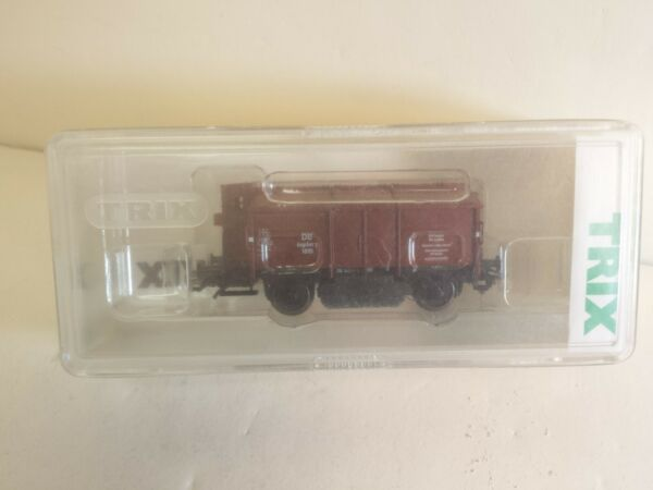Trix 24050 Track Cleaning Car German Railway Covered Hopper HO Scale