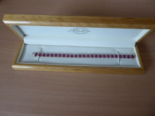 9ct Yellow Gold Ruby & Diamond Tennis Line Bracelet (7.5 Inches) Faux Wooden Box