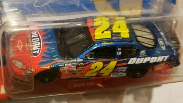 2004 Action - Jeff Gordon #24 Dupont Motorsports - '04 Chevy Monte Carlo - New