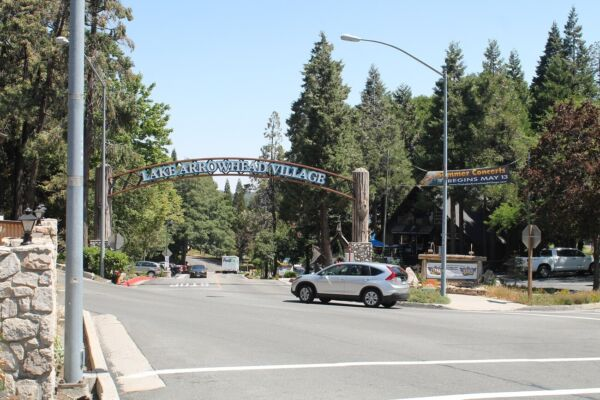 LAKE ARROWHEAD LOT, LESS THAN 5 MINUTES TO THE LAKE, DESIRABLE DEER LODGE PARK