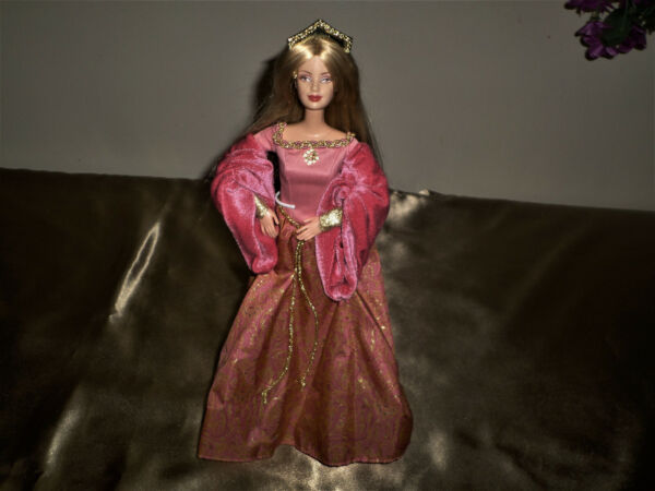 BARBIE DOLLS OF WORLD PRINCESS OF ENGLAND PINK Dress Gown