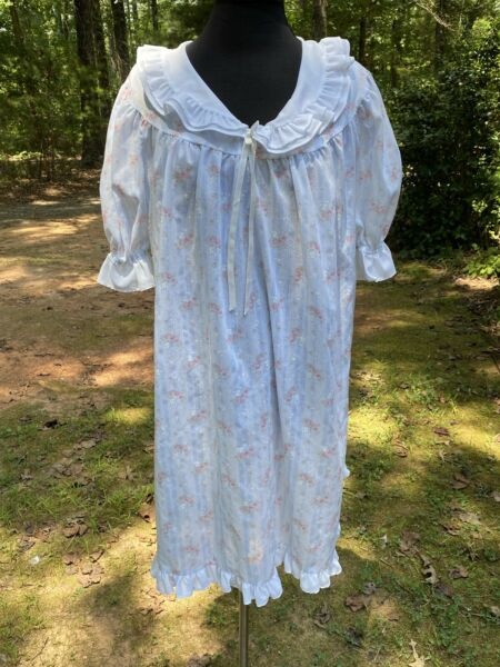 Vintage Heiress Women's L Night Gown Baby Doll Ruffle Blue Pink EUC