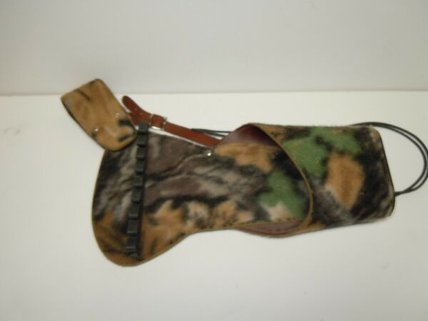 VINTAGE UNBRANDED HIP ARROW QUIVER WITH QUIET SOFT CAMO MATERIAL VG CONDITION