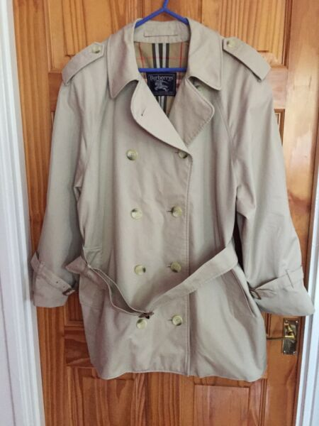 Lovely Ladies Burberry Raincoat Size 40 42 Length 30 Inches VGC GBP 145.00