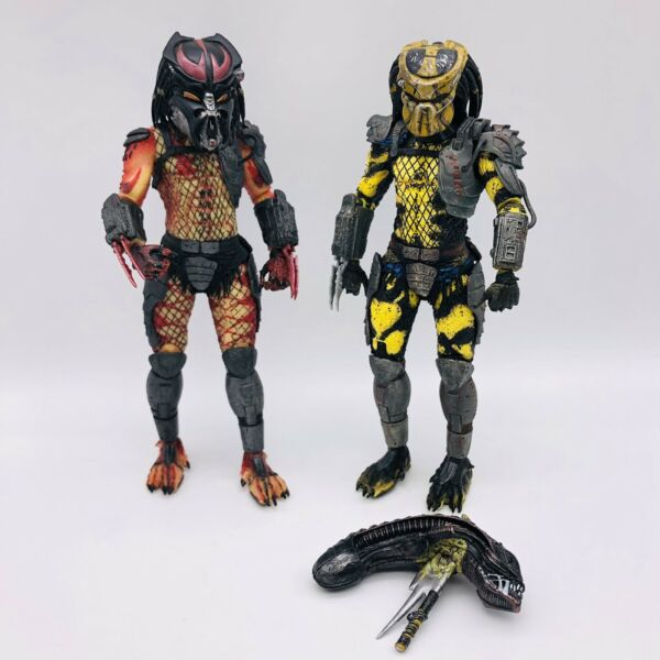 2010 Alien Predator Action Figures Set Of 2 Wasp amp; Viper Some Accessories B3