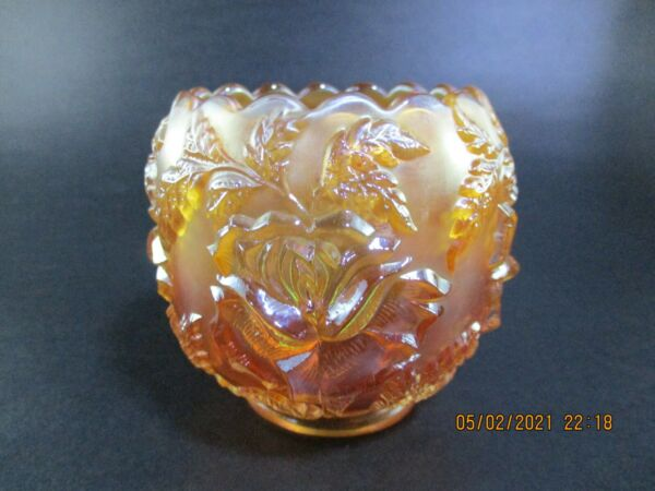 VINTAGE DUGAN WREATH OF ROSES SMALL CARNIVAL GLASS ROSE BOWL
