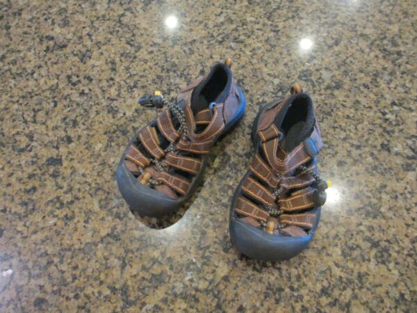 KEEN Newport H2 toddler 10 Sandals Athletic brown boys Girls leather closed toe $20.00
