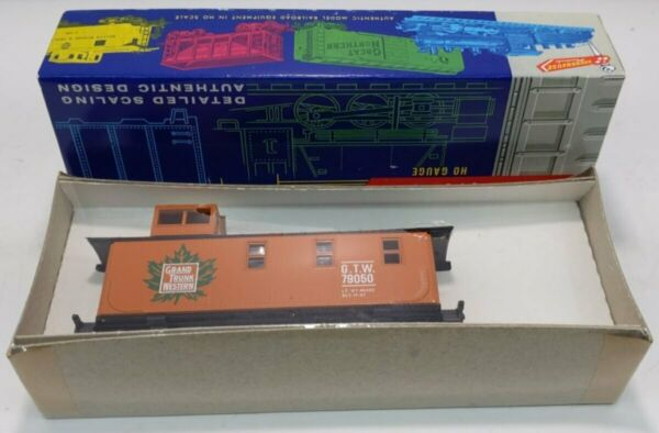 Roundhouse 3493 HO Grand Trunk Western Caboose #79050 Kit NIB $22.49
