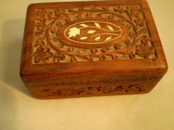 Vintage Hand Craved Flowers Wood Box with inlay Trinket 5x3x2 India