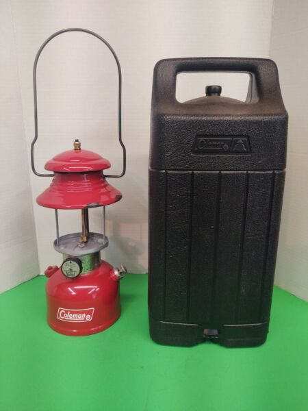 Coleman Model 200A Date 6 1980 No Globe With Black Carrying Case. $80.00