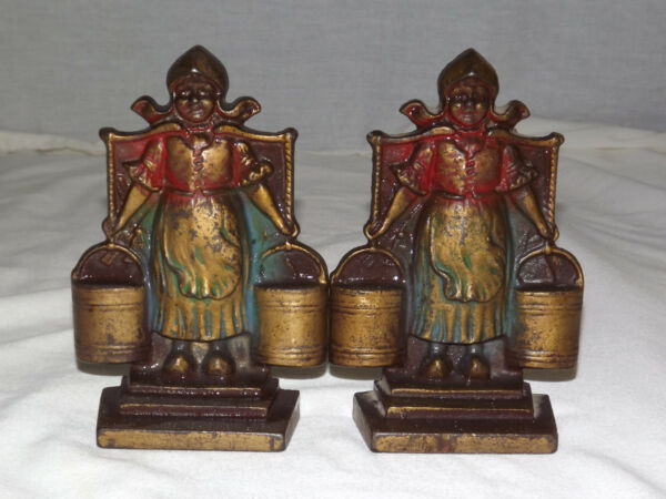 VINTAGE DUTCH GIRLS PAILS OF WATER HAND PAINTED METAL BOOKENDS