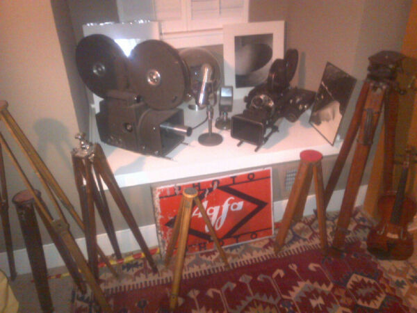 ANTIQUES: RARE MOVIE CAMs STUDIO LITES OLD MICS  FOR YOUR FINE HOME MAKE OFFER