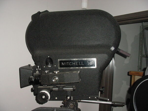 CINEMA ANTIQUES: OLD MOVIE CAMs STUDIO LITES MICS Etc FOR HOME  OFFICE. OFFER