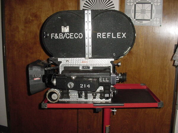COLLECTIBLE 816mm 35mm ANTIQUE Motion Picture Film Cameras. MANY. MAKE OFFER..