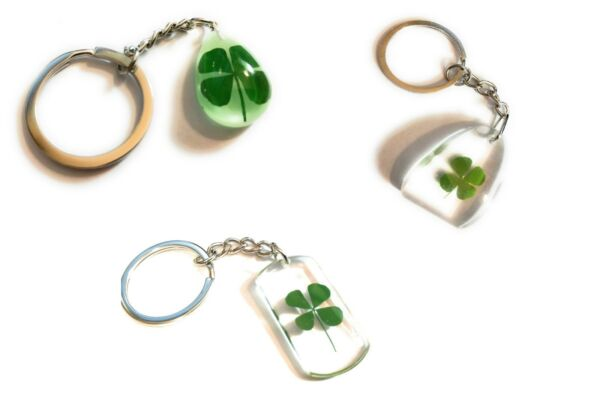 Genuine Irish Lucky 4 leaf clover 3 to choose  Key chain us seller gift four USA