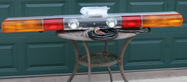 NOS 1997 Federal Signal ATV 8000 61quot; Strobe amp; Halogen Light Bar Rare European