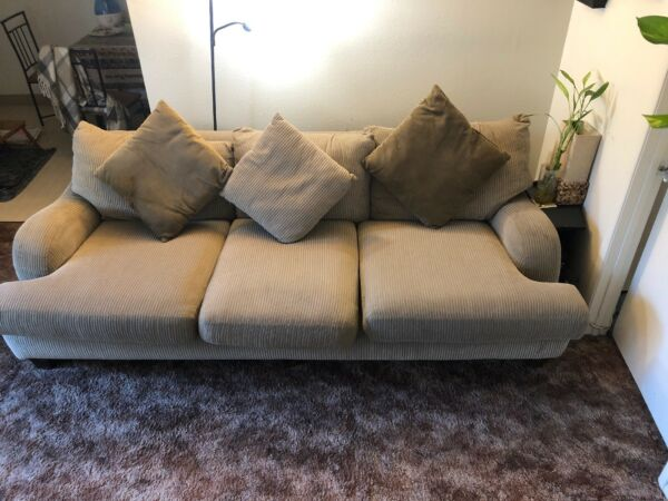 Gray Living Room Couch Furniture Sofa With Throw Pillows $70.00