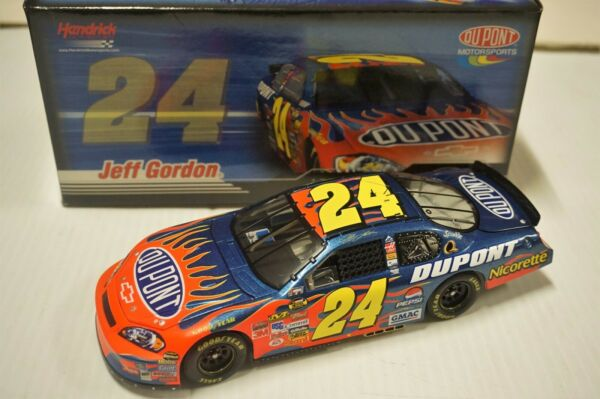 124 Jeff Gordon #24 DuPont 2007 Monte Carlo SS NASCAR Diecast Car by Action