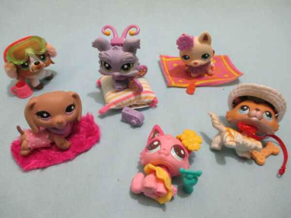 Littlest Pet Shop Lot 4 Random Pcs 1 Dog and 3 Clothing Accessories Lps Gift $8.75