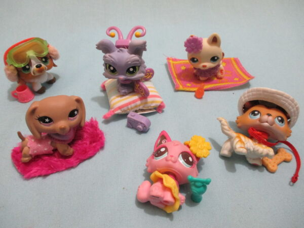 Littlest Pet Shop Lot 4 Random Pcs 1 Dog and 3 Clothing Accessories Lps Gift