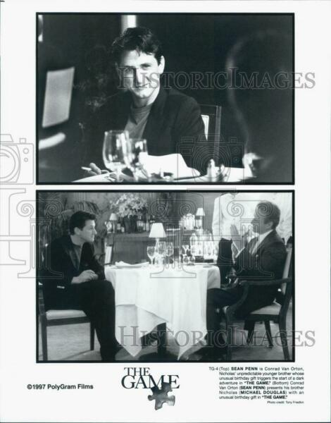 1997 Press Photo Actor Sean Penn Michael Douglas in
