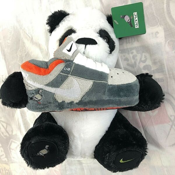 Nike SB Staple Pigeon Dunk Low OG Panda Plush Limited Collectible NWT In Plastic