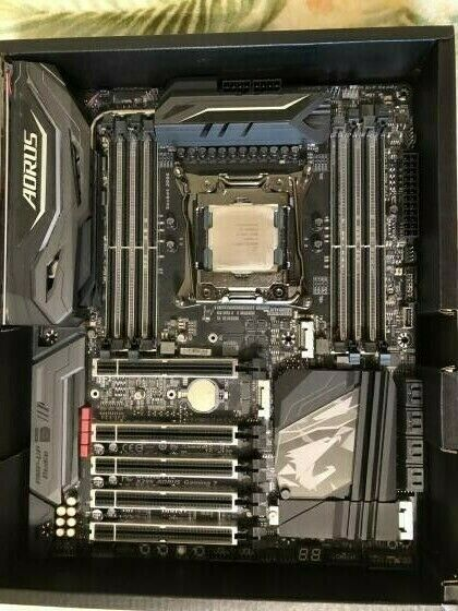 USED GIGABYTE X299 AORUS Gaming 7 ATX With Intel Core i7 7820X Processor