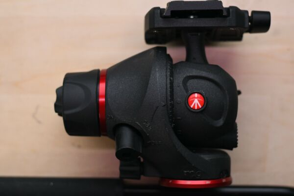 Manfrotto MH055M8 Q5 Photo Movie Tripod Head