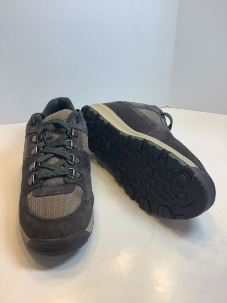 Timberland Boys Hiking Shoes Size 4 Brand New $19.99
