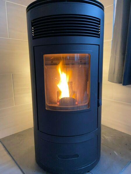 NEW in original box Modern Pellet Stove 41000 BTU 12kw Cylindrical Black $1345.00