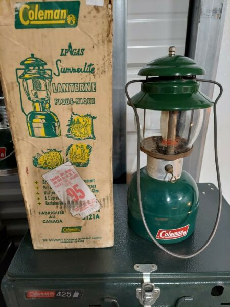 Vintage Coleman Lantern LP Gas Model 5121A Canadian Model Single Mantle w Box