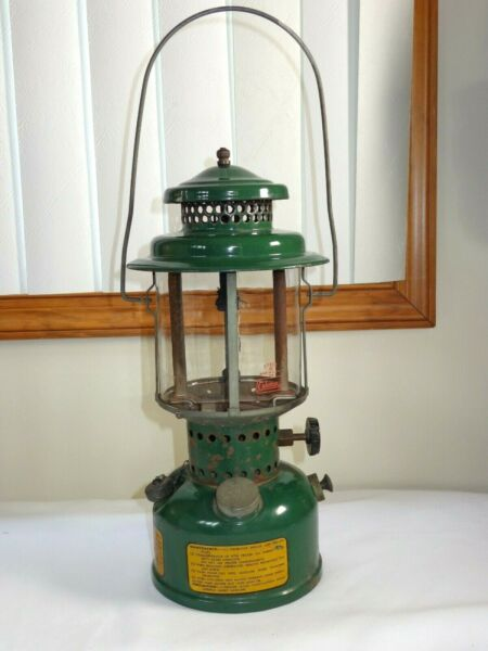 WW ll 1945 Vintage US Military Coleman Single Mantle Lantern