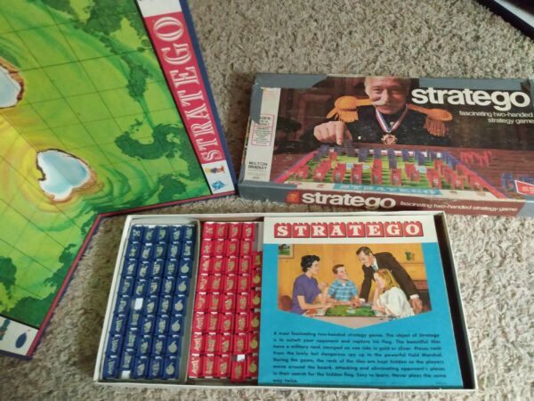 Stratego vintage 1977 board strategy game