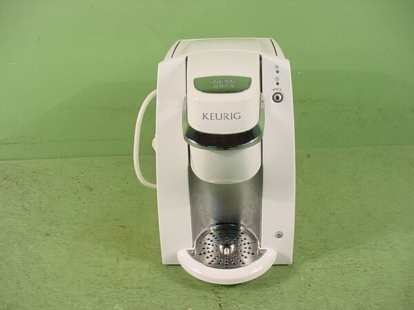 Keurig Mini Personal Single Serve Brewing System Model # B30 White Excellent