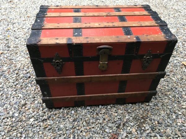 """Antique Flat Top Canvas amp; Wood Steamer Trunk Chest 30"""" x 19"""" x 22"""" WILL SHIP $50.00"""