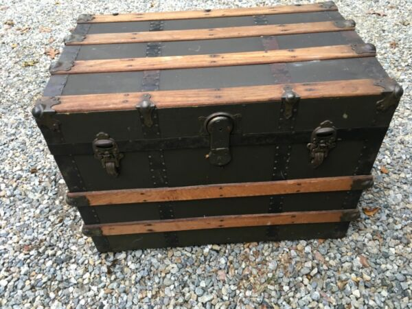 """Antique Flat Top Canvas amp; Wood Steamer Trunk Chest 31"""" x 20"""" x 22"""" WILL SHIP $50.00"""