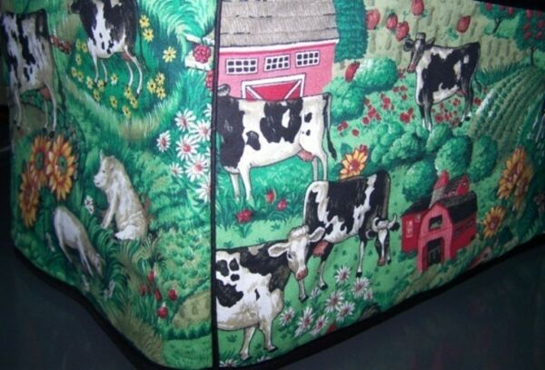 Cows in Barnyard Quilted Fabric 2 Slice or 4 Slice Toaster Cover NEW
