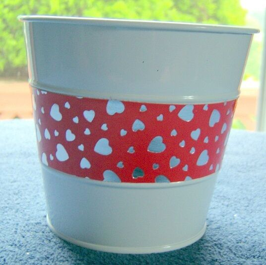 Red Heart & White Metal Pail  Approx 5 inch tall and 5.5 inch wide   B72