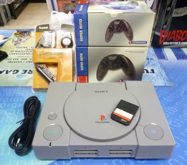 CONSOLE SONY PS1 PSX PLAYSTATION CON DUE JOYPAD MEMORY CARD CAVO SCART NUOVI